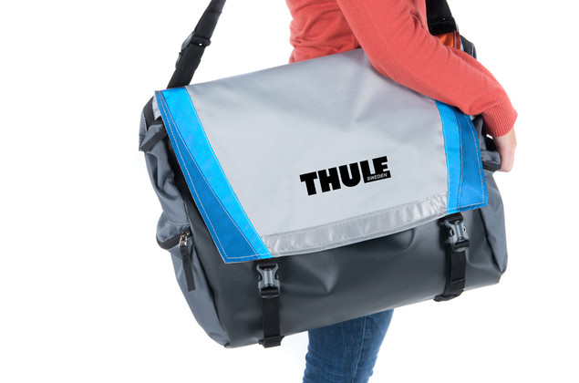 Thule chinook blue cargo bag
