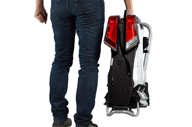 Thule EasyFold Integrated carrying handles
